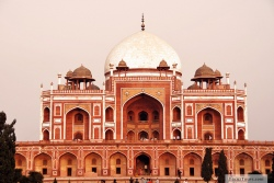 important monuments of india